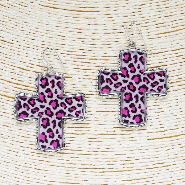 86509_Antique Silver/Pink, leopard cross acrylic earring