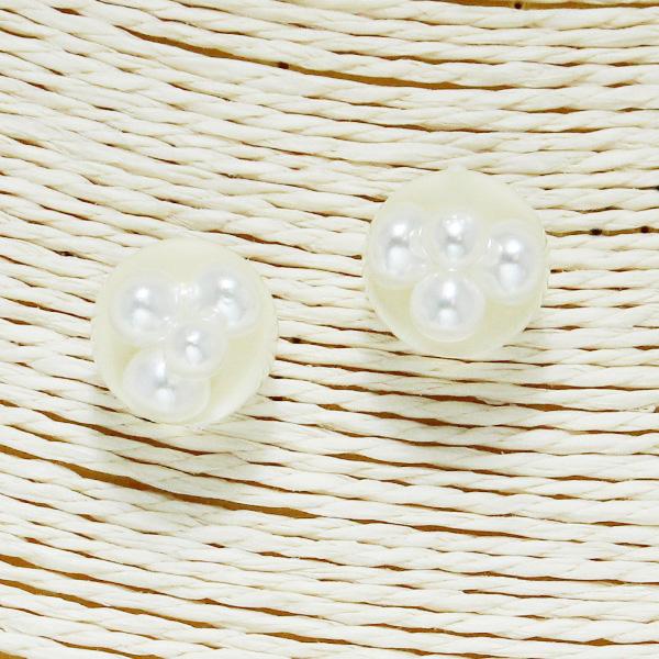 86561_Cream, pearls in bubble stud earring