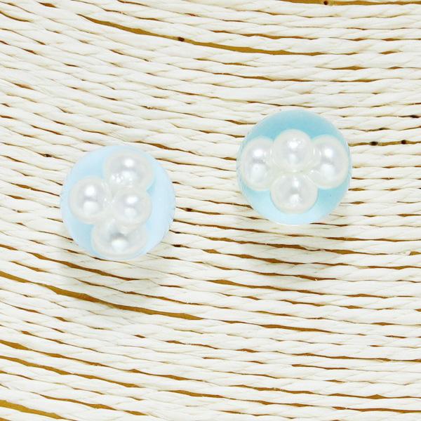 86561_Lt Blue, pearls in bubble stud earring
