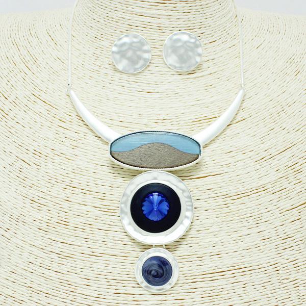 87237_Mat Silver/Blue, epoxy geometric necklace