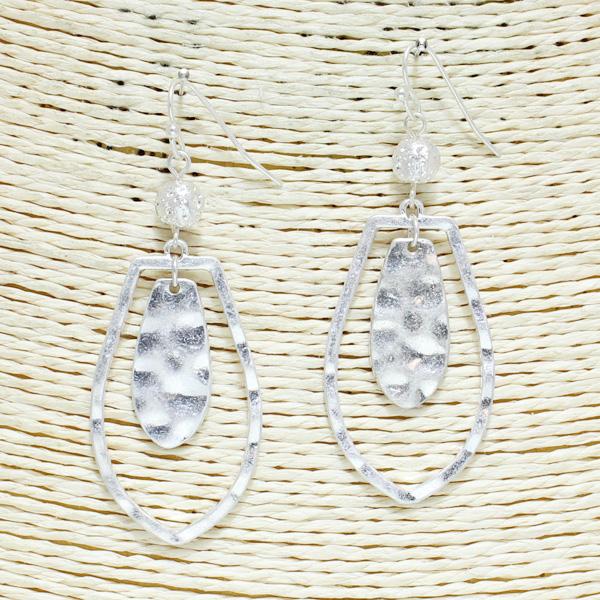 82514_Worn Silver, geometric metal earring