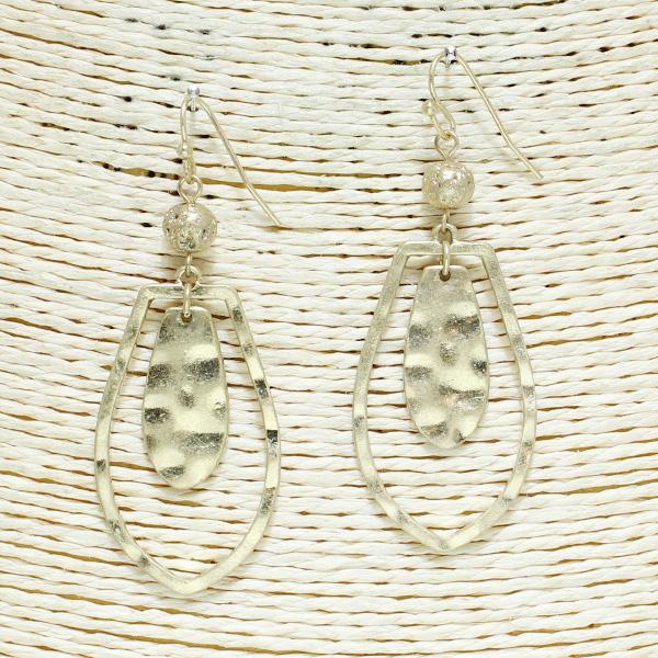 82514_Worn Gold, geometric metal earring