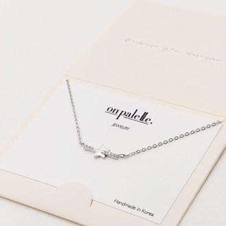 87716_Silver/Clear, dainty pave star w/ rhinestone bar necklace